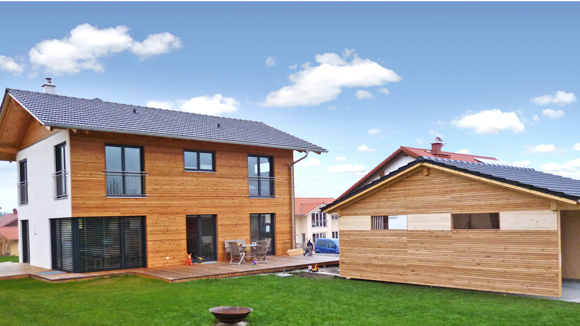 Modernes holzhaus for Holzhaus wohnen